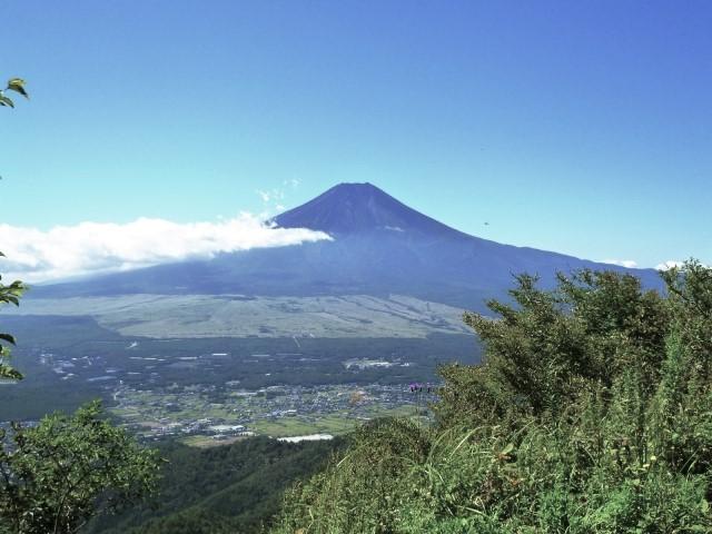 [登山・山梨]地元ガイドと行く!富士展望の紅葉登山 杓子山  2021年11月3日(水)